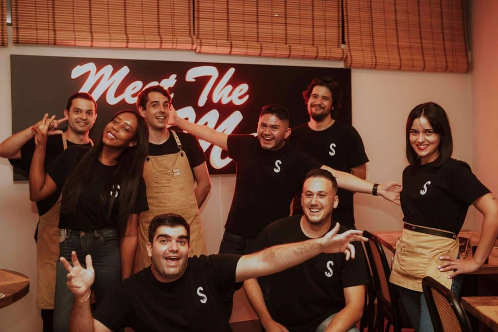 Equipo ALEXS Slow Smoked BBQ